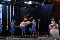 Солистките на Балетна школа Класик - М
